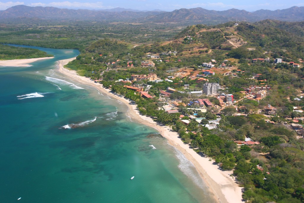 Pláž Tamarindo v Kostarike (Zdroj: Wikipedia)